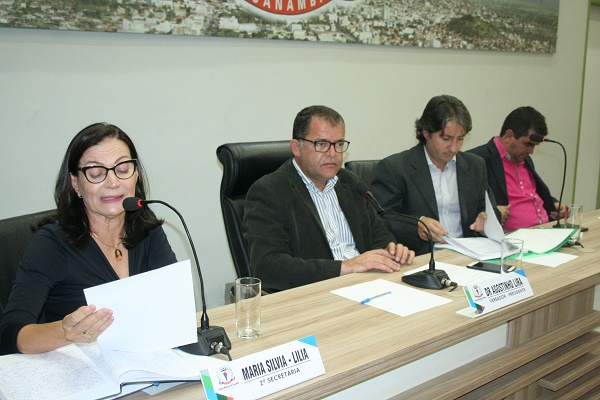 A câmara de Vereadores de Guanambi aprova Projetos, indicações e moções.
