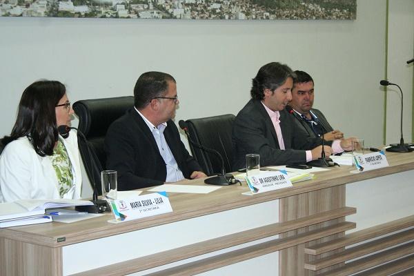 A Câmara de Vereadores de Guanambi, realizou nesta segunda feira mais uma sessão ordinária