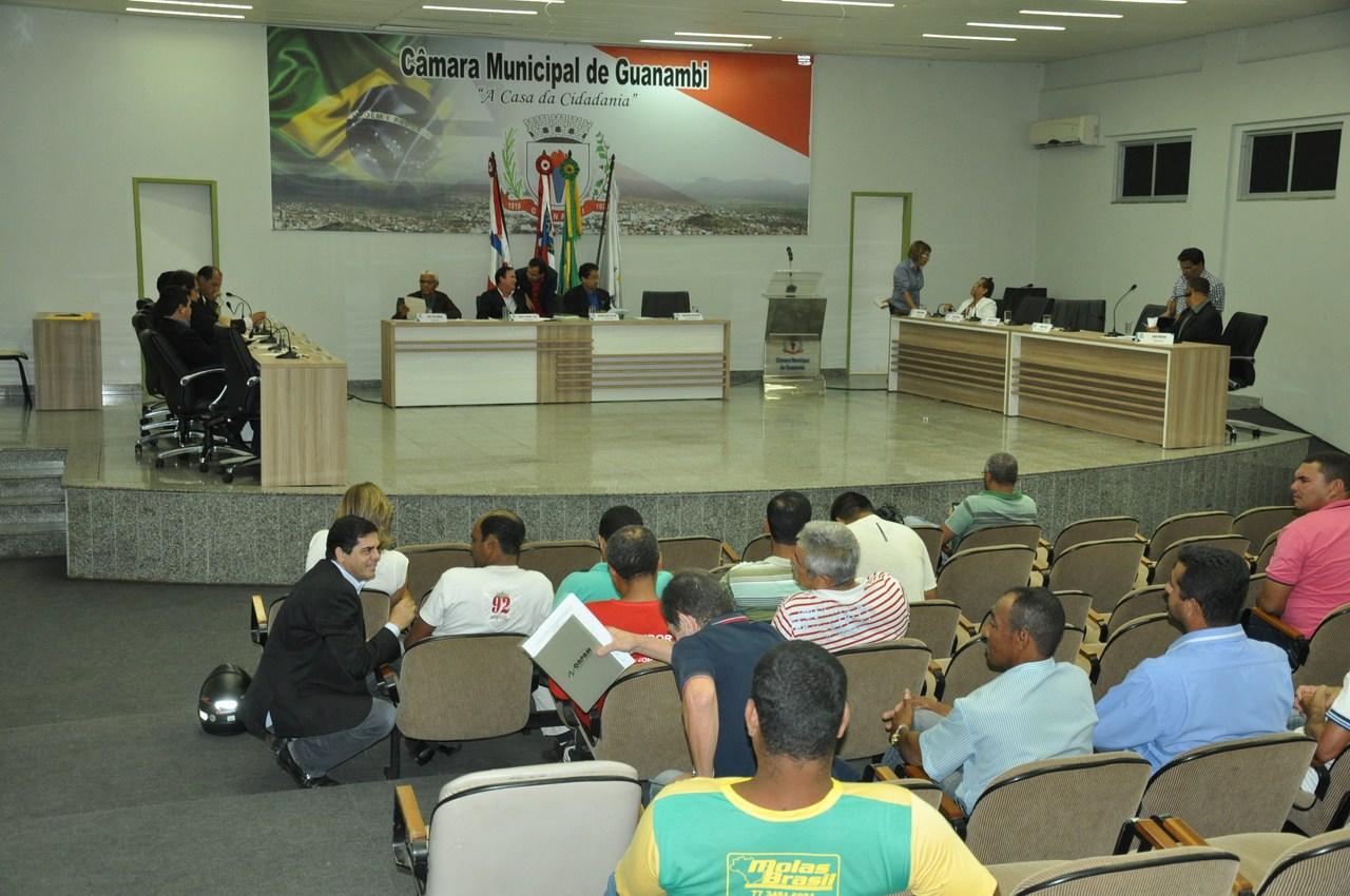 Câmara aprova urgência para votar reajuste dos servidores municipais